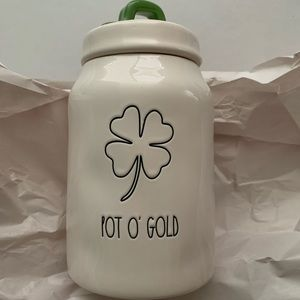 Rae dunn St patrick pot o gold medium canister